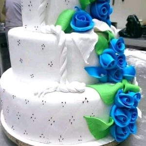 Vanilla Fontdant Wedding Cakes
